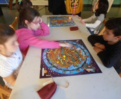 Juegos de mesa, las ventajas de aprender jugando